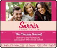 CIRURGIÃO DENTISTA DANIELA CRISTINA LEINDORF / PRÓTESE DENTÁRIA / STUDIO SORRIR